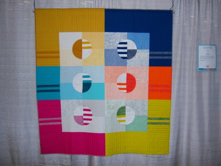 Quiltcon 2015 Piecing - Phased Circles by Michelle Wilkie Triangle MQG