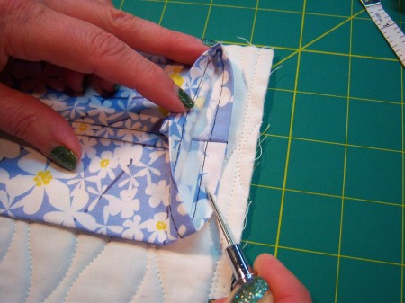 Lake House Quilts Sleeve Tutorial (13)